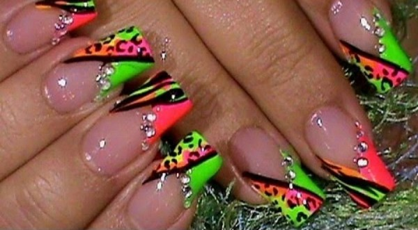 neon-glossy-french-tip-nail-art