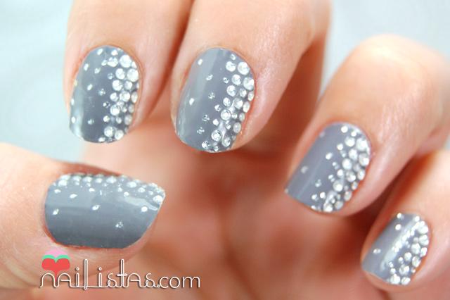 essie_sticker_and_stones_stickers_nail_art1