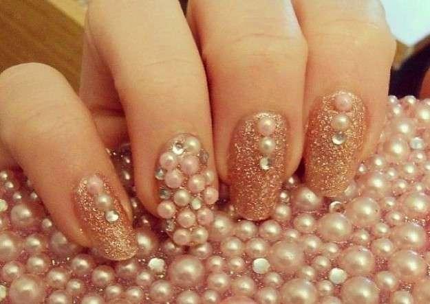 nail-art-oro-glitter