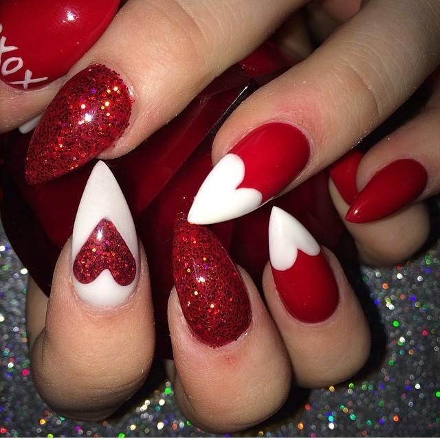 Ideas faciles y modernas para decorar uñas en San Valentin 2017