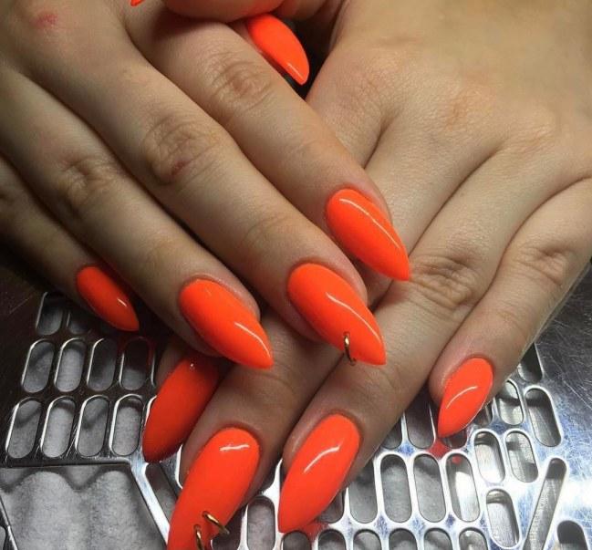 Uñas con piercing, la última tendencia de Kim Kardashian 6