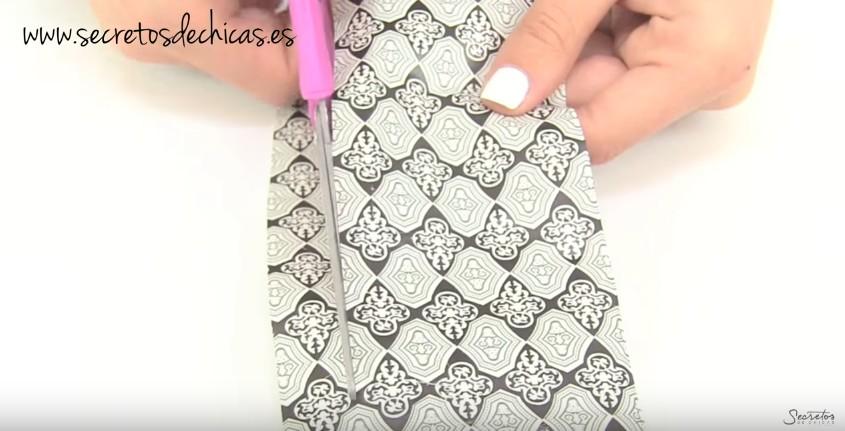 Cómo estampar las uñas en casa 1