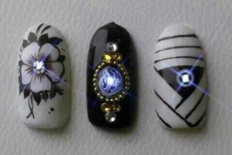 Uñas con luces LED's 3