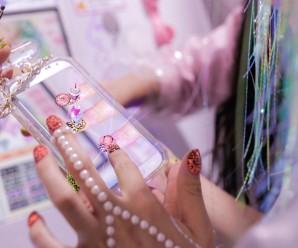 Metaverse Makeover, uñas virtuales hologramadas