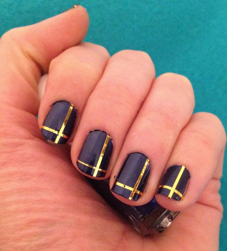 Ideas para decorar uñas con cinta adhesiva Muy facil