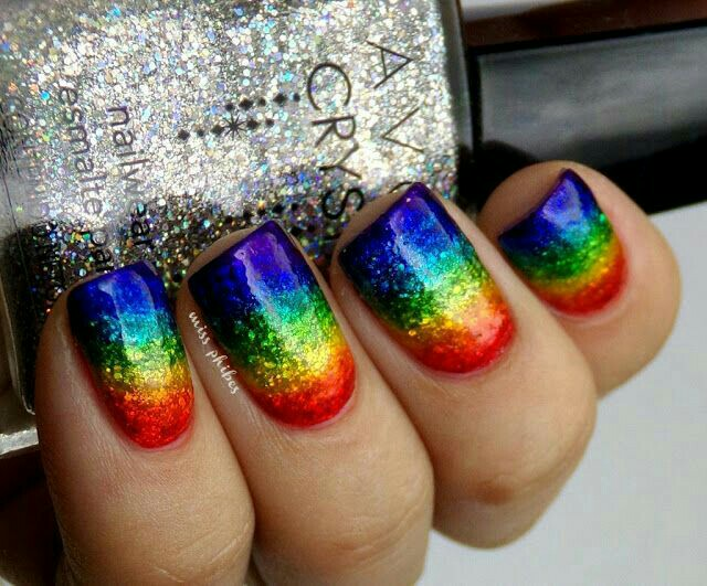Ideas de uñas multicolores 3